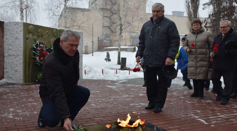 В годовщину Сталинградской битвы