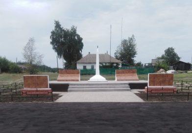 Завершается строительство памятника в Коноплянке